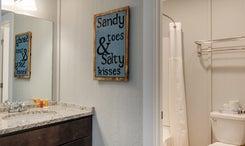 SSM19: Stringer - Bathroom