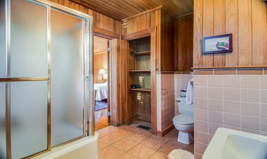 Billys-Room-Bath