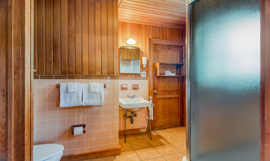 Billys-Room-Bath-V2