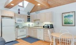 CV2: Juniper l Kitchen Area