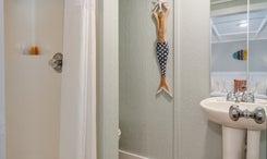 TH04: The Sailfish - Bathroom