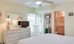 CV9: Net House l Bedroom A