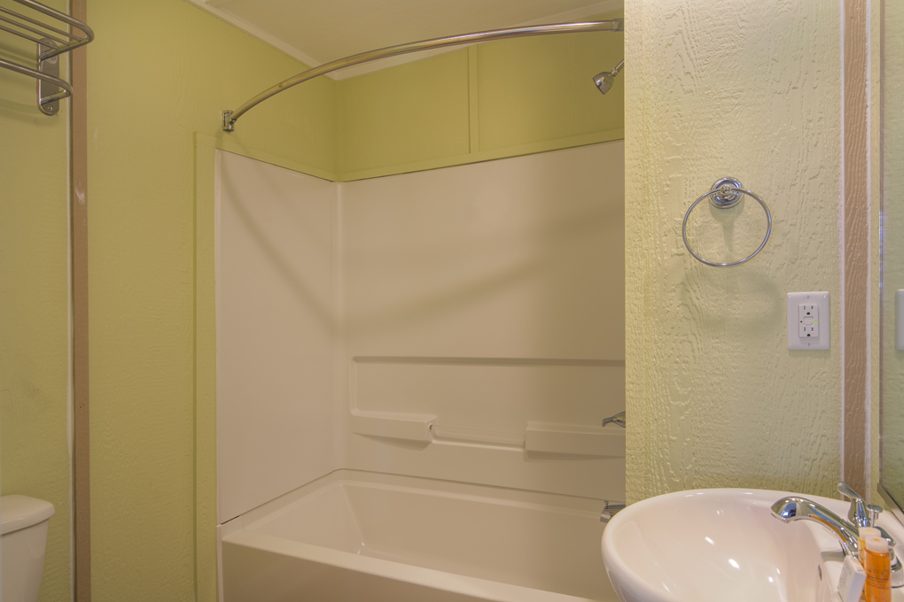 See-Sea-RM7-2BR-Apt-Bath